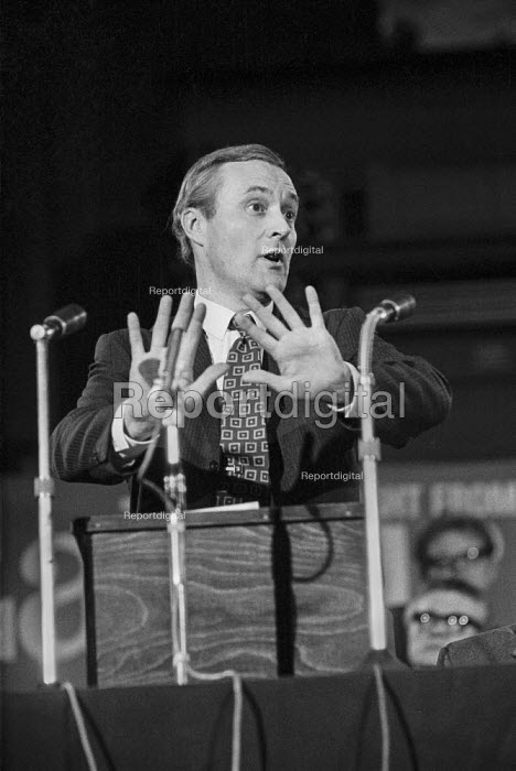 Labour MP Tony Benn opposing the Common Market, speaking at a Labour Party Special conference on EEC membership (later European Union) - Martin Mayer - 1971-10-19