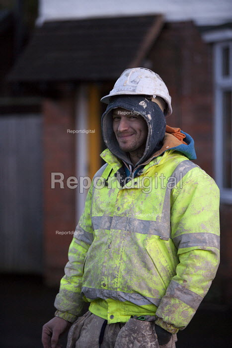 Migrant construction worker, Warwickshire - John Harris - 2016-01-28