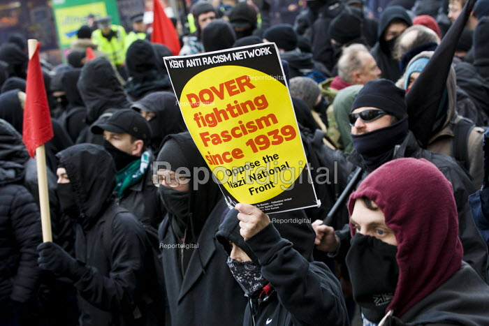 Kent Anti Racism Network protest against the National Front anti refugee protest Dover - Jess Hurd - 2016-01-30