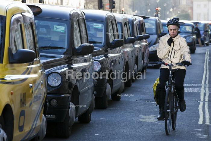 Black cab drivers protest against Uber and TFL, Whitehall. London. - Jess Hurd - 2016-02-10