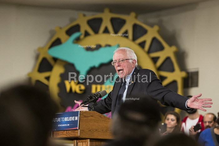 Dearborn, Michigan, Presidential candidate Bernie Sanders speaking to UAW trades union members and other supporters, UAW Local 600 union hall - Jim West - 2016-02-15