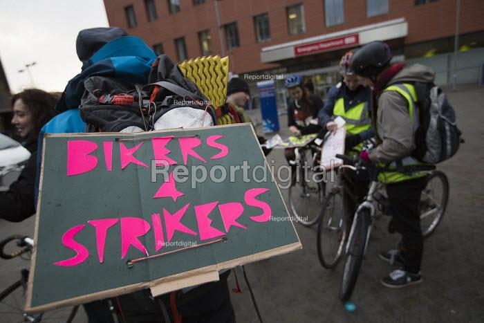 Bikers for Strikers. BMA Junior doctors strike and picket line. Royal London Hospital. Whitechapel, East London - Jess Hurd - 2016-02-10