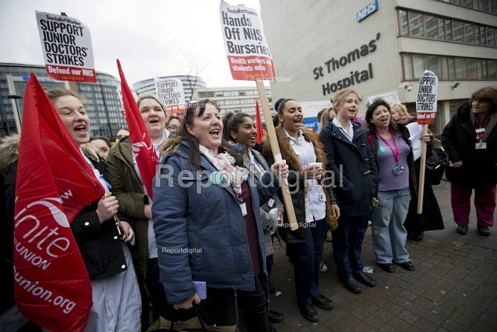 BMA Junior doctors strike and picket line. Guys and St Thomas Hospital, London - Jess Hurd - 2016-02-10