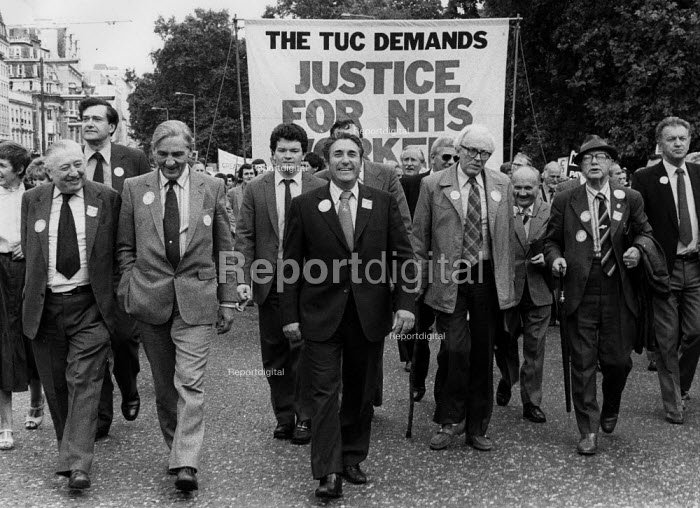 Len Murray TUC, Frank Chapple EEPTU and Michael Foot, TUC Day of Action, heath workers pay claim, London 1982. Justice For the NHS Workers - John Harris - 1982-09-22