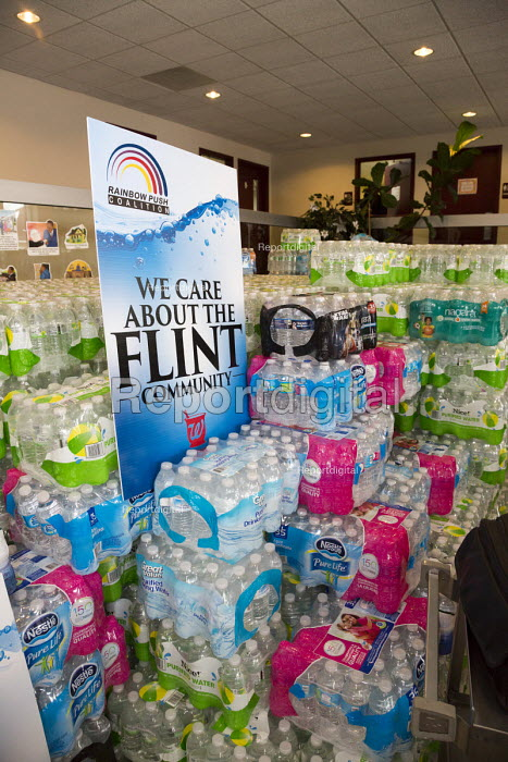 Flint, Michigan Donated bottled water for residents, Metropolitan Baptist Church. Organized by Rainbow PUSH Coalition and Rev. Jesse Jackson - Jim West - 2016-02-19