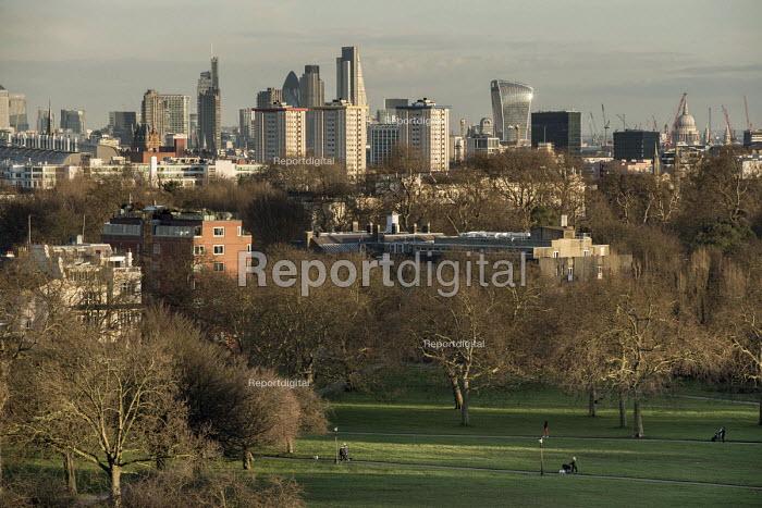 City of London skyline from Primrose Hill, Camden. - Philip Wolmuth - 2016-02-11