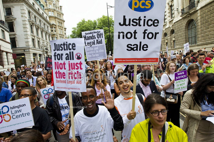 Rally organised by the Justice Alliance in opposition to the government cuts to legal aid and access to justice. Old Bailey, City of London. - Jess Hurd - 2013-07-30