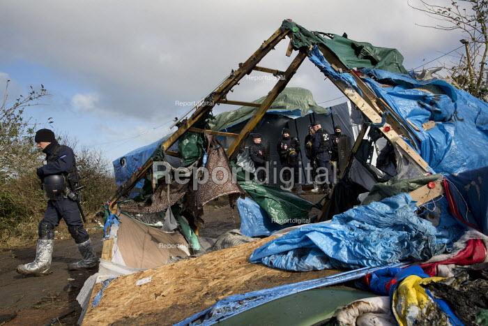 CRS riot police. Demolition of the Jungle refugee camp, Calais, France - Jess Hurd - 2016-03-03