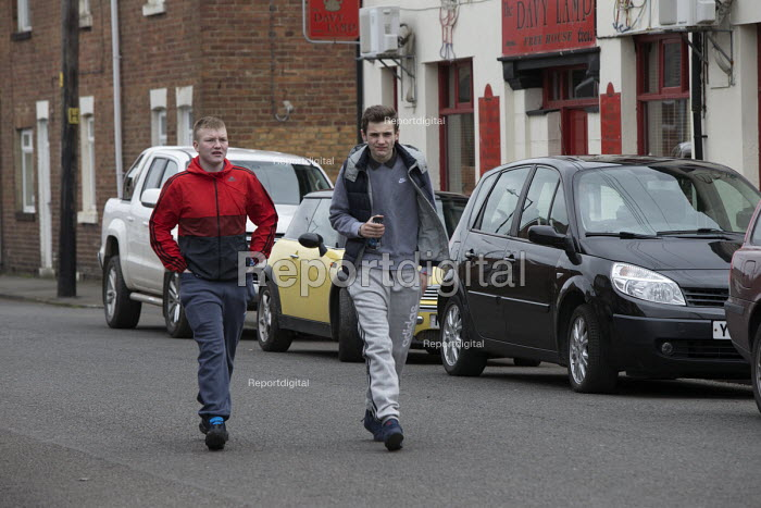 Teenagers on the streets, Easington Lane, Hetton, Tyne and Wear - John Harris - 2016-03-24