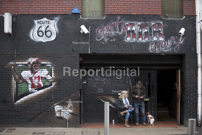 Sitting outside a bar Port Talbot, South Wales - John Harris - 2016-04-04