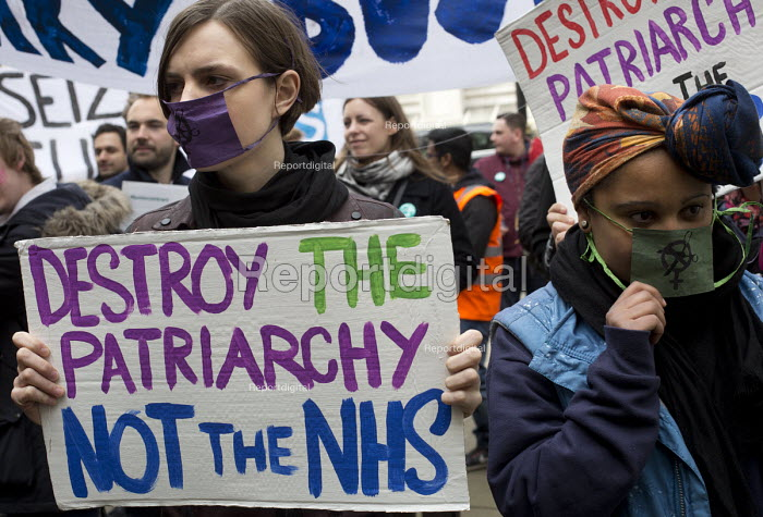 Sisters Uncut and Junior doctors protesting outside the Department of Health on a 48h strike. Organised by the People's Assembly. Westminster, London. Against the imposition of a new contract - Jess Hurd - 2016-04-06
