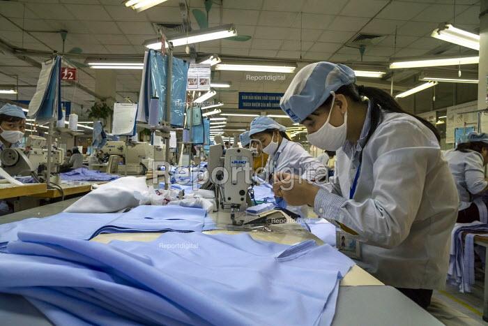Report digital photojournalism - Hanoi Vietnam Sewing machine
