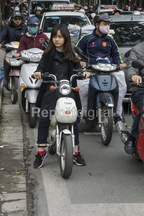 Hanoi, Vietnam, streets filled with scooters and motorbikes - David Bacon - 2015-12-09