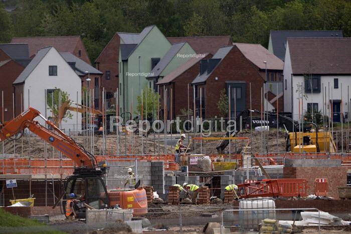 House building Telford Shropshire - John Harris - 2016-05-17
