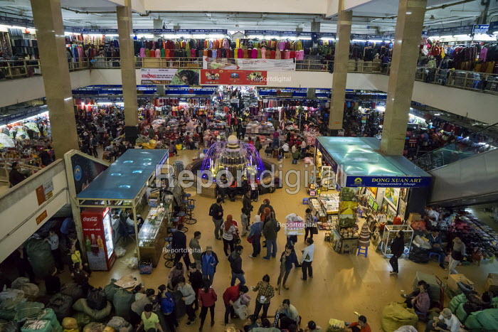 Stalls selling cloth, Dong Xuan Market, Hanoi, Vietnam - David Bacon - 2015-12-09