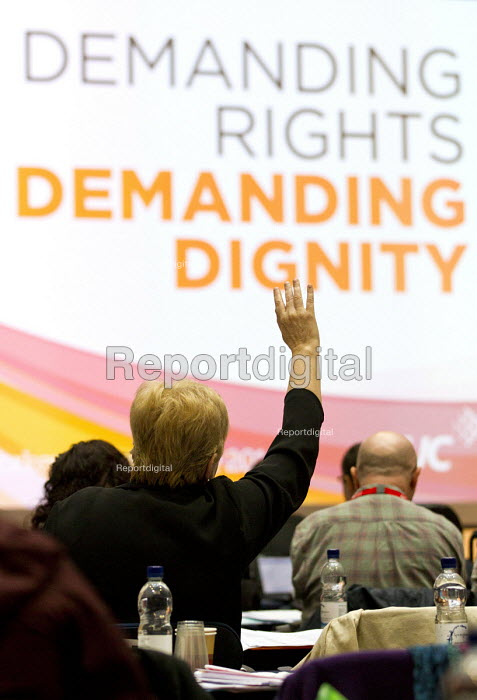Delegates voting at TUC Disabled Workers Conference. Congress House. London. - Jess Hurd - 2016-05-19