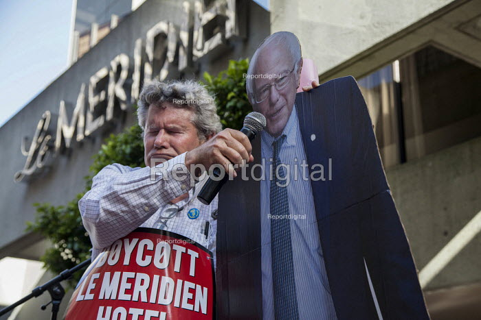 San Francisco USA Cardboard cutout of Bernie Sanders, Hotel workers Unite Here protest the refusal of Le Meridian Hotel to negotiate a contract with the union - David Bacon - 2016-05-18