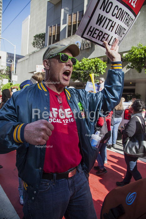 San Francisco USA Hotel workers Unite Here protest the refusal of Le Meridian Hotel to negotiate a contract with the union - David Bacon - 2016-05-18
