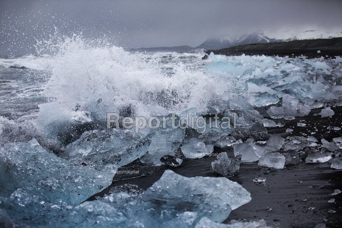 Iceberg black sand bearch nr Jokulsarlon Glacier Lagoon, Nr. Vatnajokull National Park, Iceland - Jess Hurd - 2016-05-04