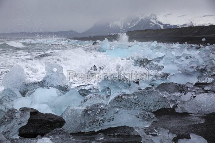 Iceberg black sand bearch nr Jokulsarlon Glacier Lagoon, Vatnajokull National Park, Iceland - Jess Hurd - 2016-05-08