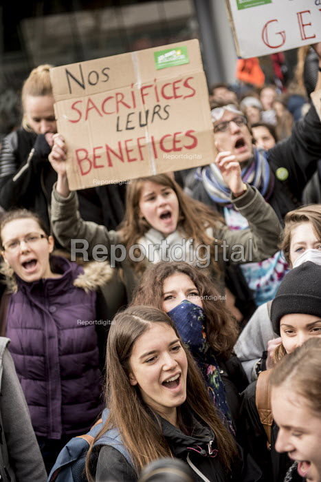 Students protest against proposed labor reforms, France, Our sacrifices, their profits - Jean Claude Moschetti - 2016-03-31