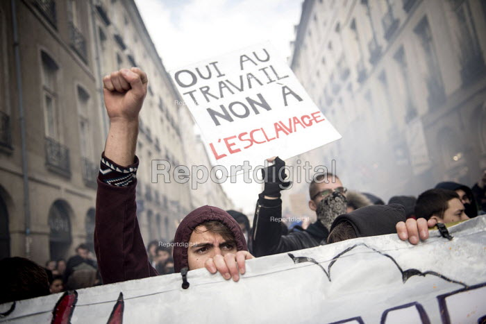 Students protests against proposed labor reforms, France, Yes to work, not to slavery - Jean Claude Moschetti - 2016-03-22