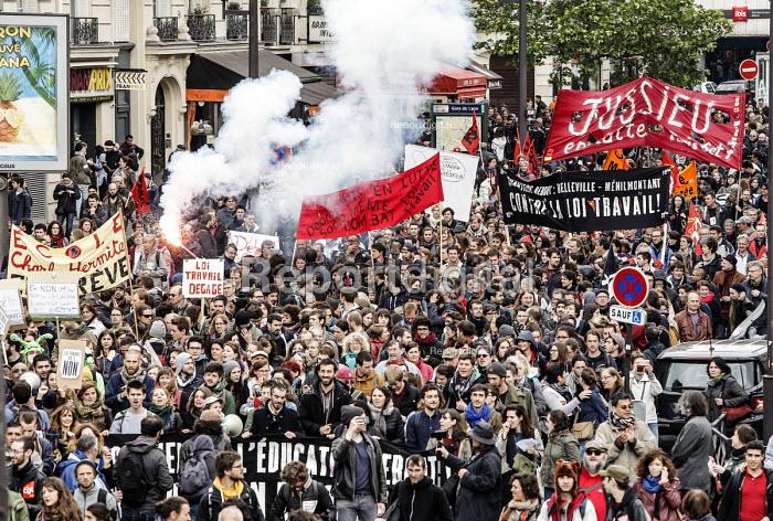 Students and unions protest against proposed labor reforms, Paris France - Nicolas Tavernier - 2016-05-19