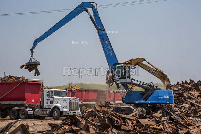Marysville, Michigan, USA, removing debris after the demolition of DTE Energy coal fired power station - Jim West - 2016-05-25