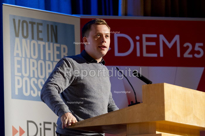 Owen Jones speaking at Another Europe is Possible conference, Vote In campaign. UCL Institute of Education. London. - Jess Hurd - 2016-05-28