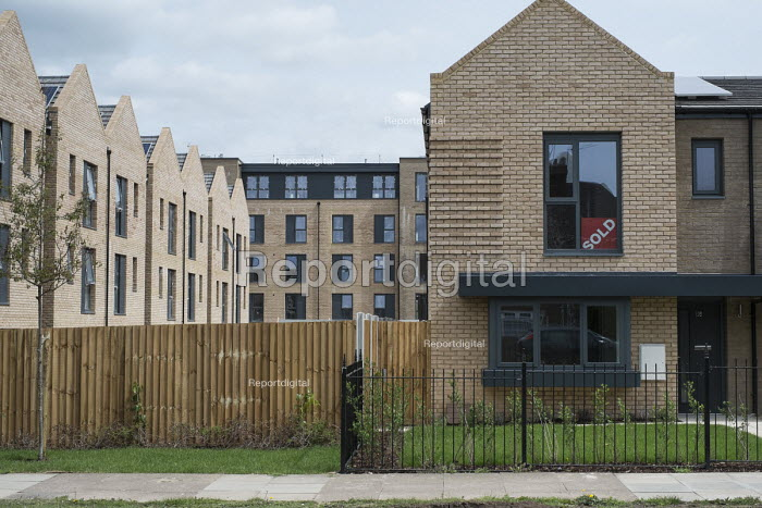 Private housing development on the former Hendon Football Club ground, London, part of a 20 year Brent Cross Cricklewood regeneration scheme. - Philip Wolmuth - 2016-05-20