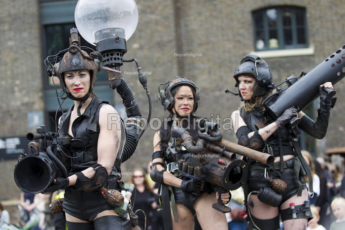 Punkx festival celebrating 40 years of punk, performance from the Mutoid Waste Company, Kings Cross, London. Stilt walkers - Jess Hurd - 2016-06-04