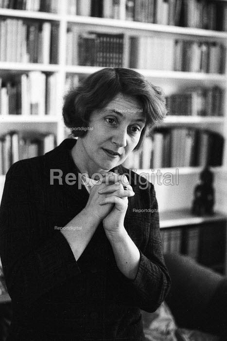 Shirley Williams, Labour MP for Hitchin, General Election, 1964. - Romano Cagnoni - 1964-10-17