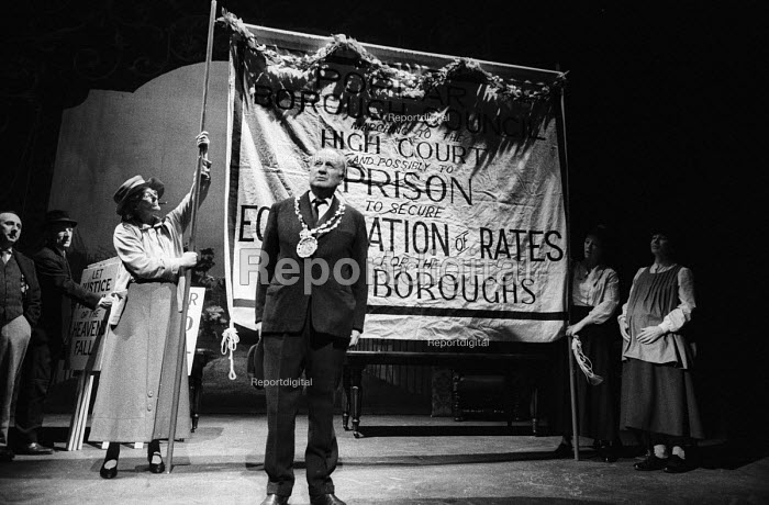 Better Times written by Barrie Keeffe, staged at Theatre Royal Stratford East, London 1985. The play tells the story of the 1921 Poplar Rates Revolt. Mayor Sam March, played by Donald Morley, addresses a public meeting explaining the Councillors' decision not to levy an unjust rate, before leading a demonstration to Parliament. - Stefano Cagnoni - 1985-01-30
