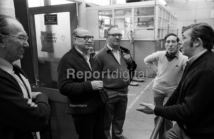 Printers and members of SOGAT union in discussion outside the SOGAT Chapel Office during an industrial dispute with BPCC at Park Royal, printers of the Radio Times, 1983 - Stefano Cagnoni - 1983-03-28