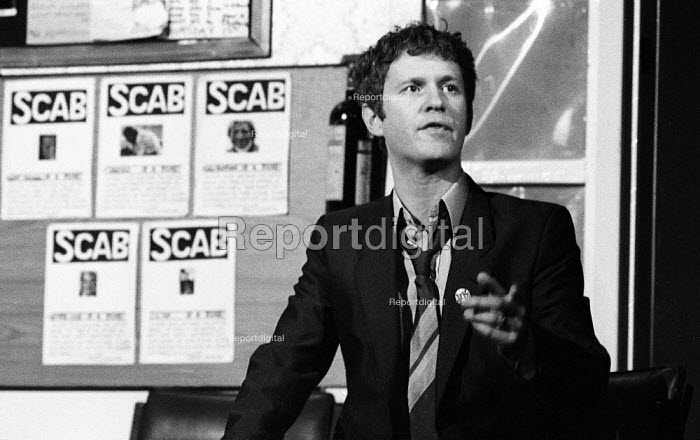 The Garden Of England, staged at the Shaw Theatre, London, 1985 written and performed by the 7:84 Theatre Company and based on the 1984-1985 Miners Strike. Derek Thompson playing Noddy, an NUM picket. Derek Thompson was later a member of the cast of the BBC TV series Casualty - Stefano Cagnoni - 1985-02-10