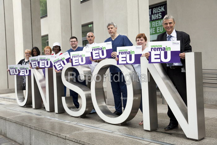 Dave Prentis, Unison General Secretary and health workers with Unison Vote Remain, Don't Risk Our NHS banner, Unison HQ, Euston, London. - Jess Hurd - 2016-06-08