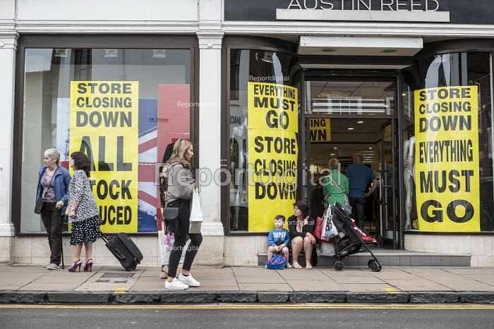 Austin Reed store closing down everything must go, including 1000 jobs, Stratford upon Avon - John Harris - 2016-06-11