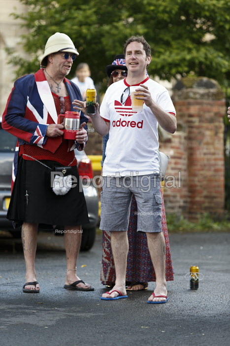 Queen Elizabeth II 90th birthday celebration weekend, drinkers at a street party Alcester Warwickshire - John Harris - 2016-06-12