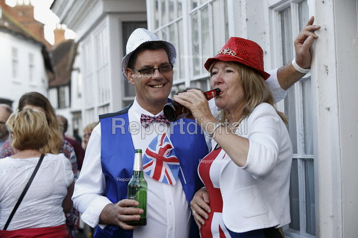 Queen Elizabeth II 90th birthday celebration weekend, drinkers at a street party Alcester Warwickshire - John Harris - 2016-06-12