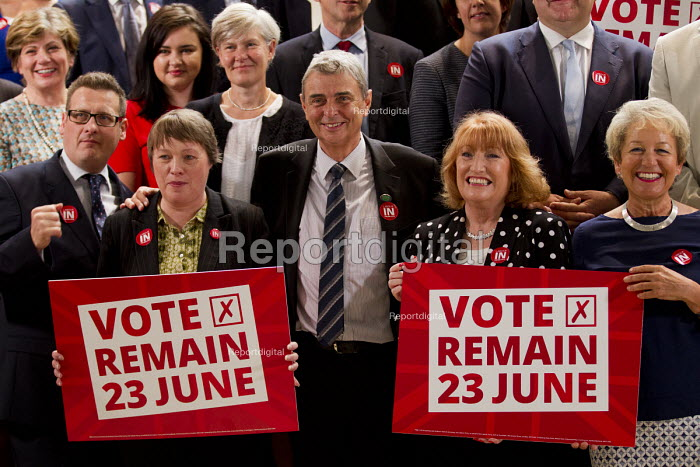 Dave Prentis UNISON, with the shadow cabinet and other trade union leaders, Vote Remain referendum photo call, TUC Congress House, London. - Jess Hurd - 2016-06-14