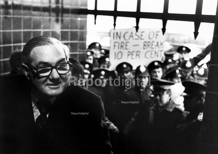 Firefighters pay strike lobby Jim Callaghan, Labour Party Conference, Blackpool, 1977 - John Sturrock - 1977-11-23