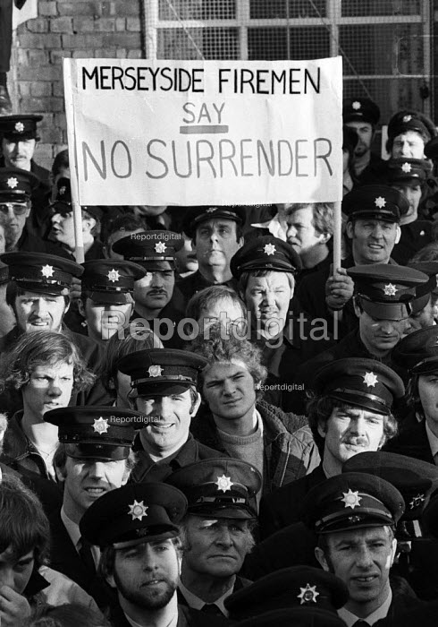 Firefighters National Strike, 1977. Firemen on strike for more pay rally in Liverpool in support of their pay claim - John Sturrock - 1977-12-10