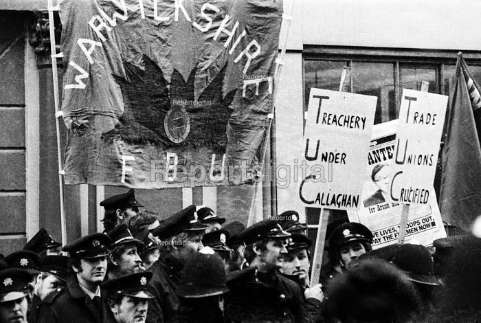 Firefighters National Strike, 1977. Firemen on strike for more pay stage mass lobby of TUC General Council meeting calling for increased support for their industrial dispute. - John Sturrock - 1977-12-21