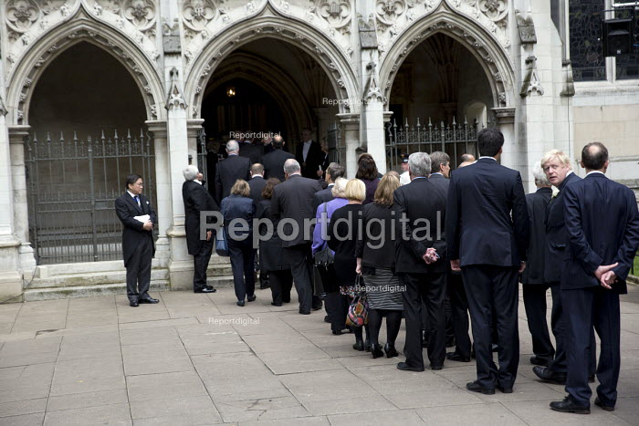 Jo Cox murder. Boris Johnson and other MPs attending a service remembering murdered Labour MP Jo Cox, St Margaret's Church, London - Jess Hurd - 2016-06-20