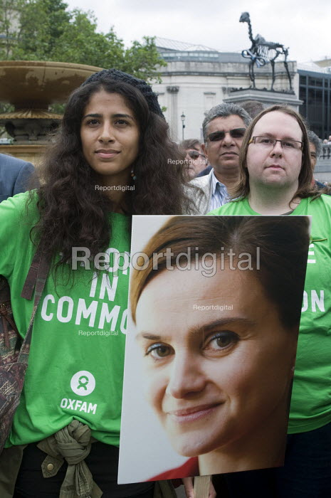 Oxfam members, Memorial event to celebrate the life of murdered Labour MP, Jo Cox. Love Like Jo, Trafalgar Square, London. - Stefano Cagnoni - 2016-06-22