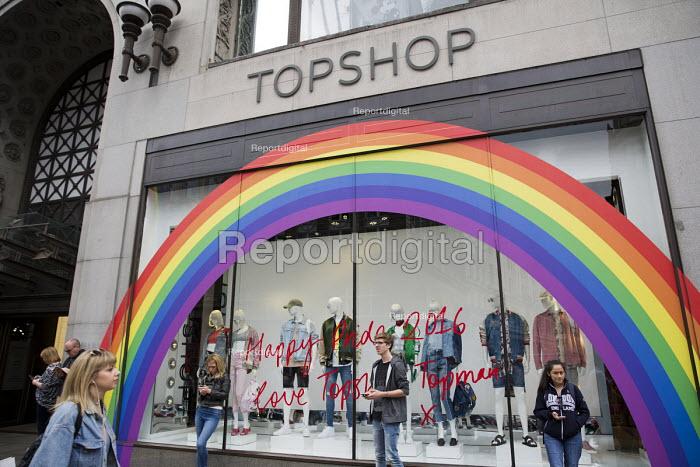 Topshop celebrating Pride in London Parade 2016 - Jess Hurd - 2016-06-25