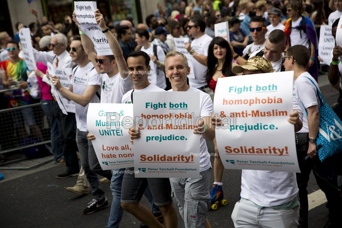Peter Tatchell Foundation, fight homophobia and anti muslim prejudice, Pride in London Parade 2016 - Jess Hurd - 2016-06-25