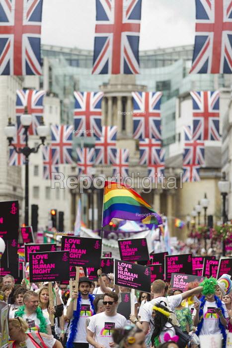 Amnesty International at Pride in London Parade 2016 - Jess Hurd - 2016-06-25