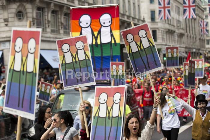 Artist Stig designs on Pride in London Parade 2016 - Jess Hurd - 2016-06-25