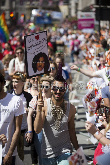 We Love Migrants, Pride in London Parade 2016 - Jess Hurd - 2016-06-25